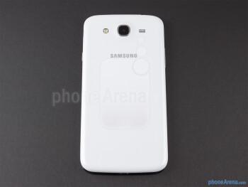 Back - The sides of the Samsung Galaxy Mega 5.8 - Samsung Galaxy Mega 5.8 Review