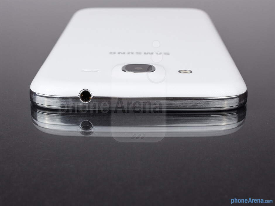 Top - The sides of the Samsung Galaxy Mega 5.8 - Samsung Galaxy Mega 5.8 Review