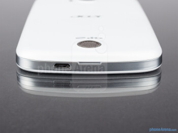microUSB port (bottom) - The sides of the Acer Liquid E2 - Acer Liquid E2 Review