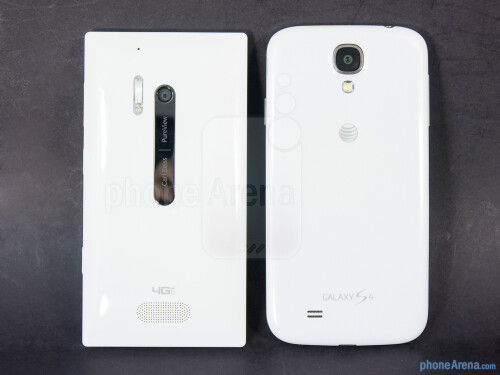 Nokia Lumia 928 vs Samsung Galaxy S4