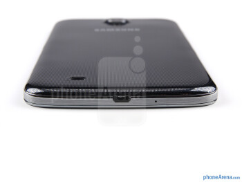 microUSB port (bottom) - The sides of the Samsung Galaxy Mega 6.3 - Samsung Galaxy Mega 6.3 Review