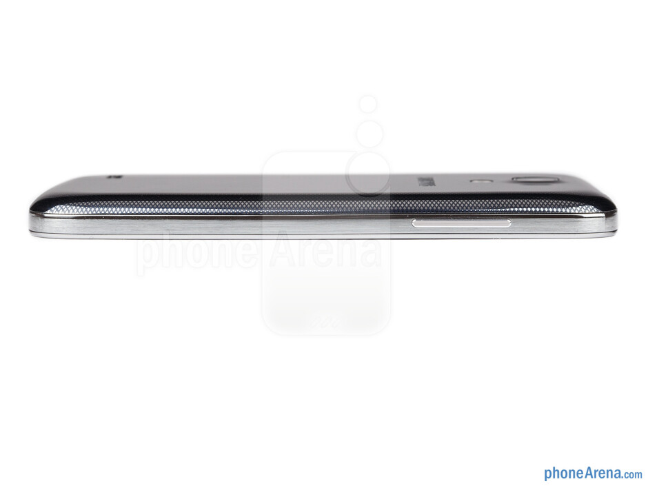 Volume rocker can be found on the left side - Samsung Galaxy S4 mini Review