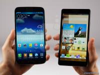 Samsung-Galaxy-Mega-6.3-vs-Huawei-Ascend-Mate001.jpg