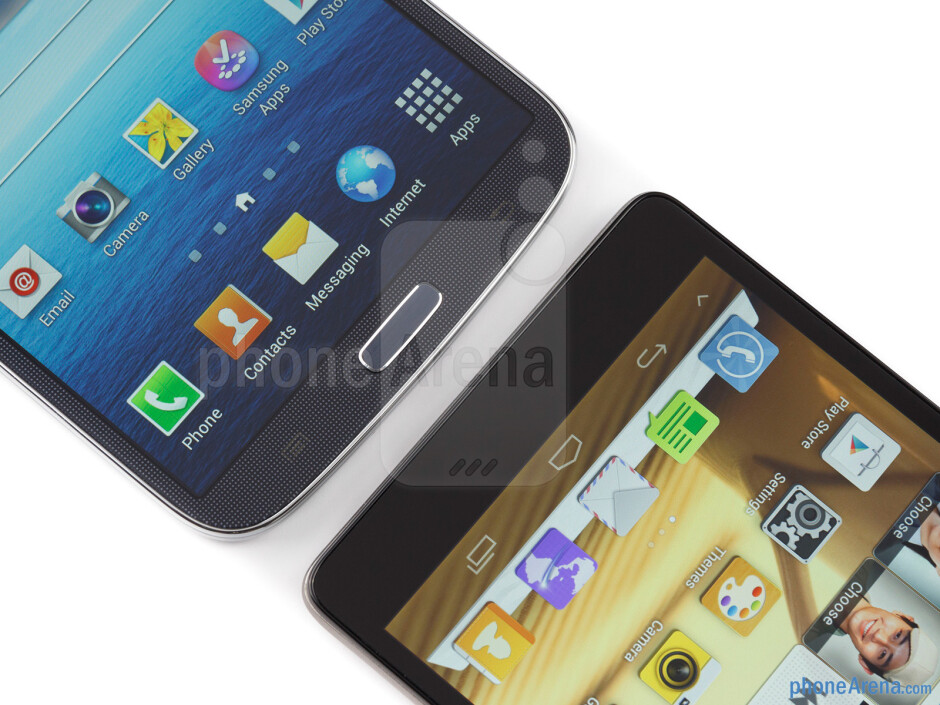 The Samsung Galaxy Mega 6.3 (left) and the Huawei Ascend Mate (right) - Samsung Galaxy Mega 6.3 vs Huawei Ascend Mate