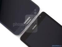 Samsung-Galaxy-Mega-6.3-vs-Huawei-Ascend-Mate004.jpg