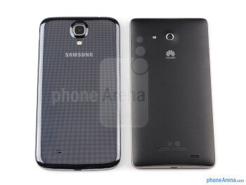 Backs - The sides of the Samsung Galaxy Mega 6.3 (left, bottom) and the Huawei Ascend Mate (right, top) - Samsung Galaxy Mega 6.3 vs Huawei Ascend Mate