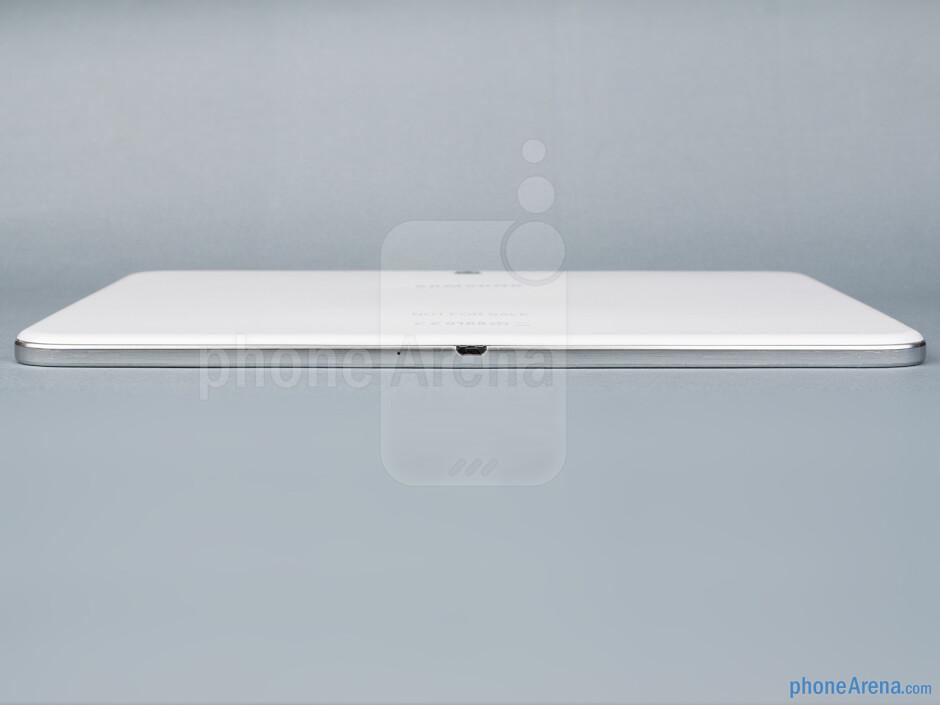 Bottom edge - The sides of the Samsung Galaxy Tab 3 10.1 - Samsung Galaxy Tab 3 10.1-inch Preview