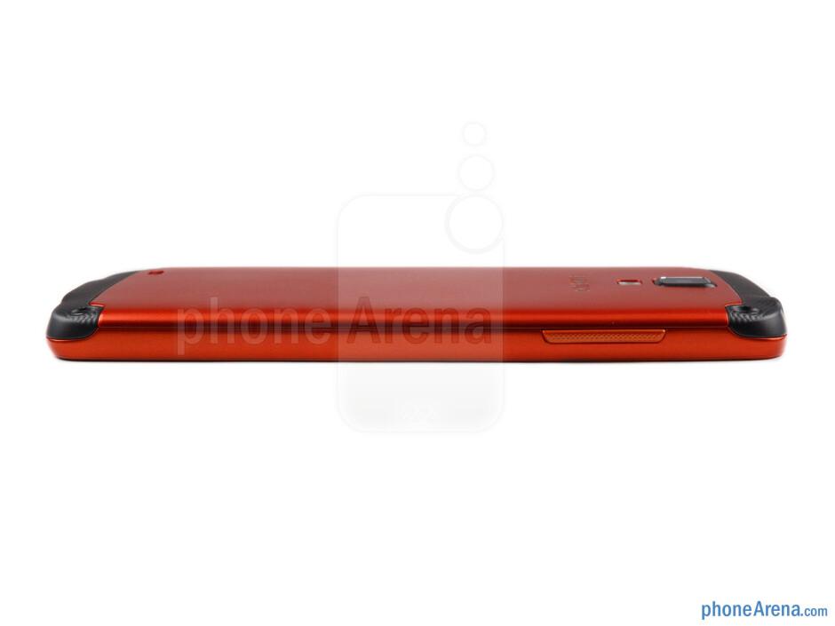 Volume rocker (left) - The sides of the Samsung Galaxy S4 Active - Samsung Galaxy S4 Active Preview
