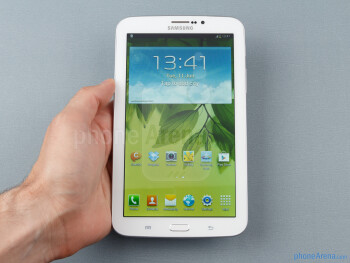 "For its design, the Samsung Galaxy Tab 3 7-inch has adopted the new ""Samsung look"" - Samsung Galaxy Tab 3 7-inch Preview"