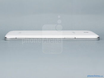 Left edge - The sides of the Samsung Galaxy Tab 3 7-inch - Samsung Galaxy Tab 3 7-inch Preview
