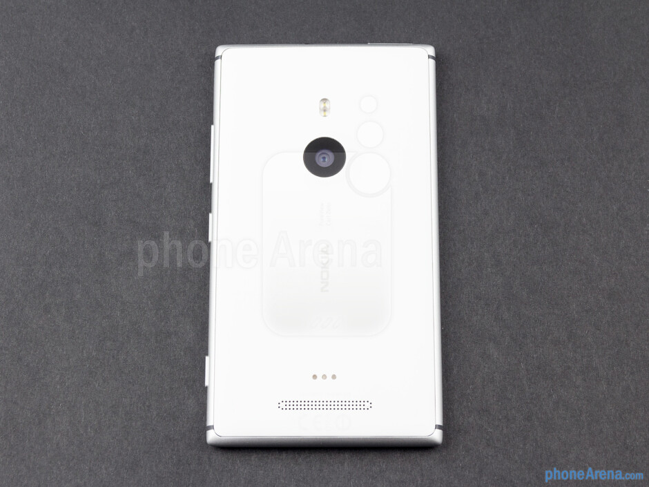 Back - Nokia Lumia 925 Review