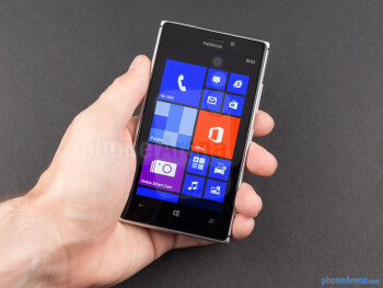The aluminum frame surrounding the phone gives the Nokia Lumia 925 a more premium look and feel - Nokia Lumia 925 Review