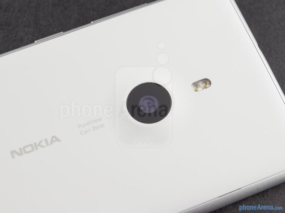 Rear camera - Nokia Lumia 925 Review