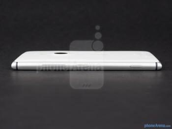 Right side - The sides of the Nokia Lumia 925 - Nokia Lumia 925 Review
