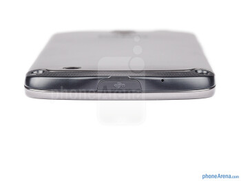 microUSB port (bottom) - The sides of the Samsung Galaxy S4 Active - Samsung Galaxy S4 Active Review