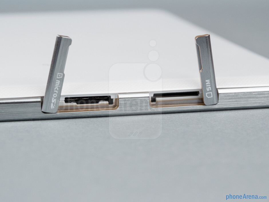 The sides of the Samsung Ativ Tab 3 - Samsung ATIV Tab 3 Preview