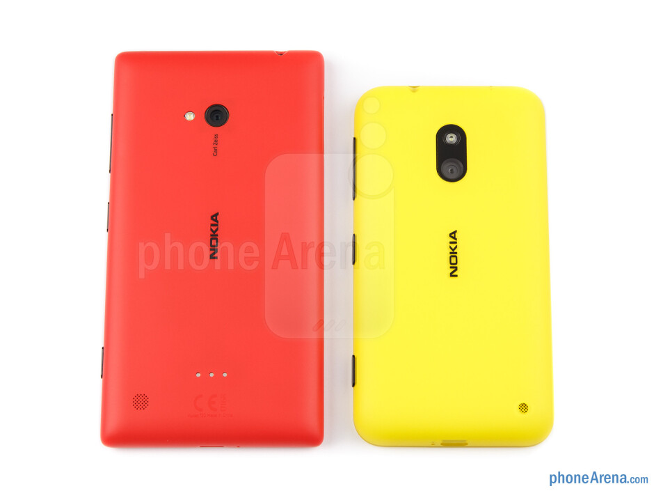 Backs - The Nokia Lumia 720 (left) and the Nokia Lumia 620 (right) - Nokia Lumia 620 vs Nokia Lumia 720
