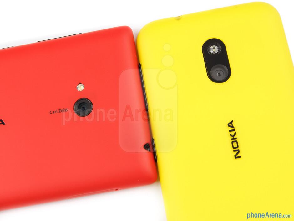 Rear cameras - The Nokia Lumia 720 (left) and the Nokia Lumia 620 (right) - Nokia Lumia 620 vs Nokia Lumia 720