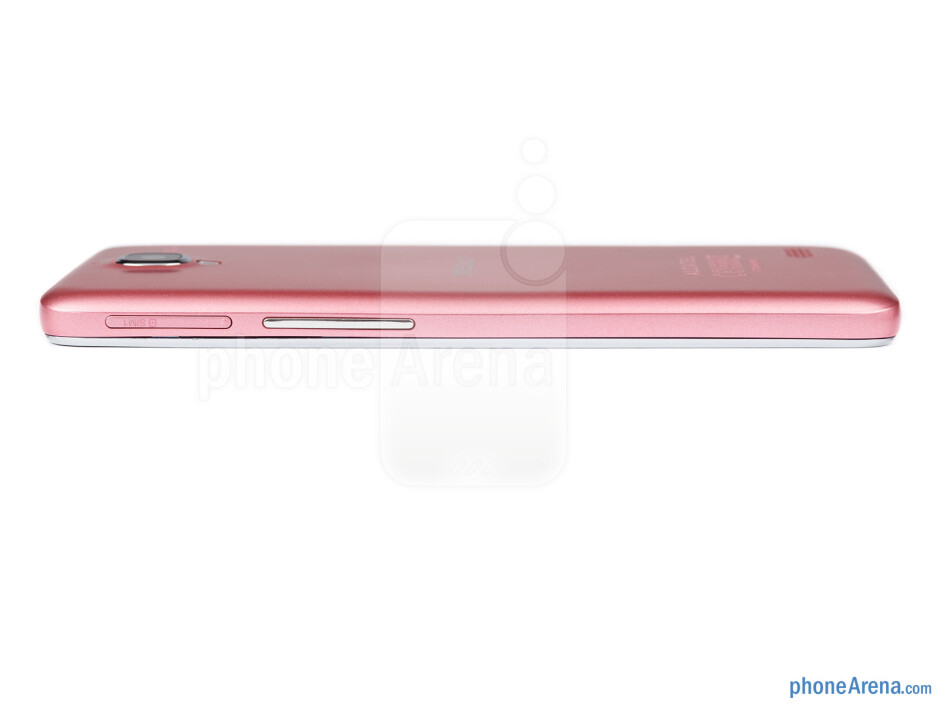 Right edge - The sides of the Alcatel One Touch Idol - Alcatel One Touch Idol Review