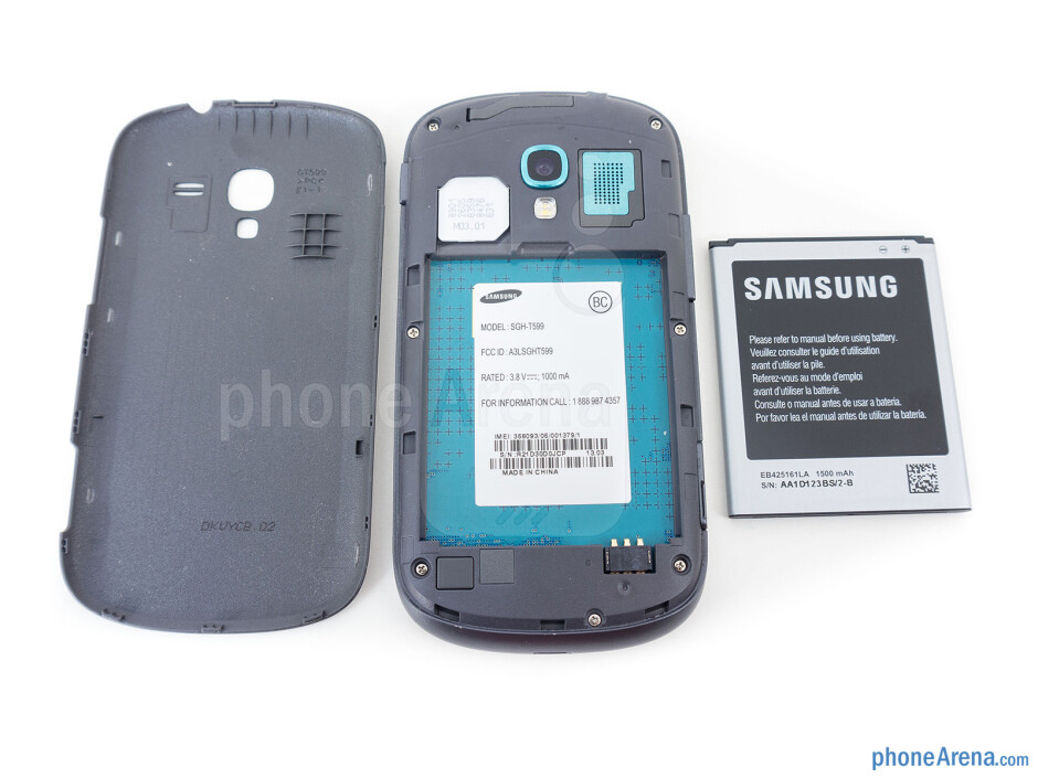 Battery compartment - Samsung Galaxy Exhibit Review