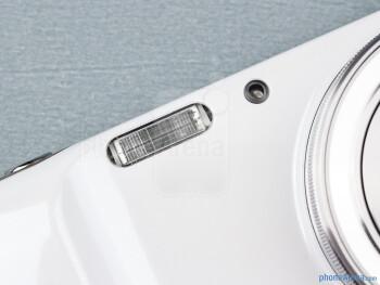 Camera flash - Samsung Galaxy S4 Zoom Review