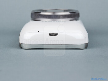 The sides of the Samsung Galaxy S4 Zoom - Samsung Galaxy S4 Zoom Review