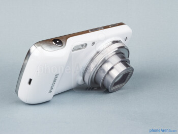 Camera lens - Samsung Galaxy S4 Zoom Review