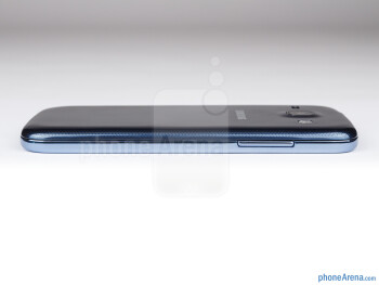 The volume rocker is on the left - Samsung Galaxy Core Preview