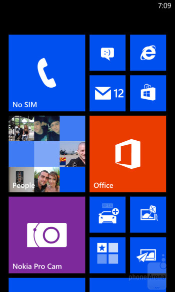 Interface of the Nokia Lumia 1020 - LG G2 vs Nokia Lumia 1020