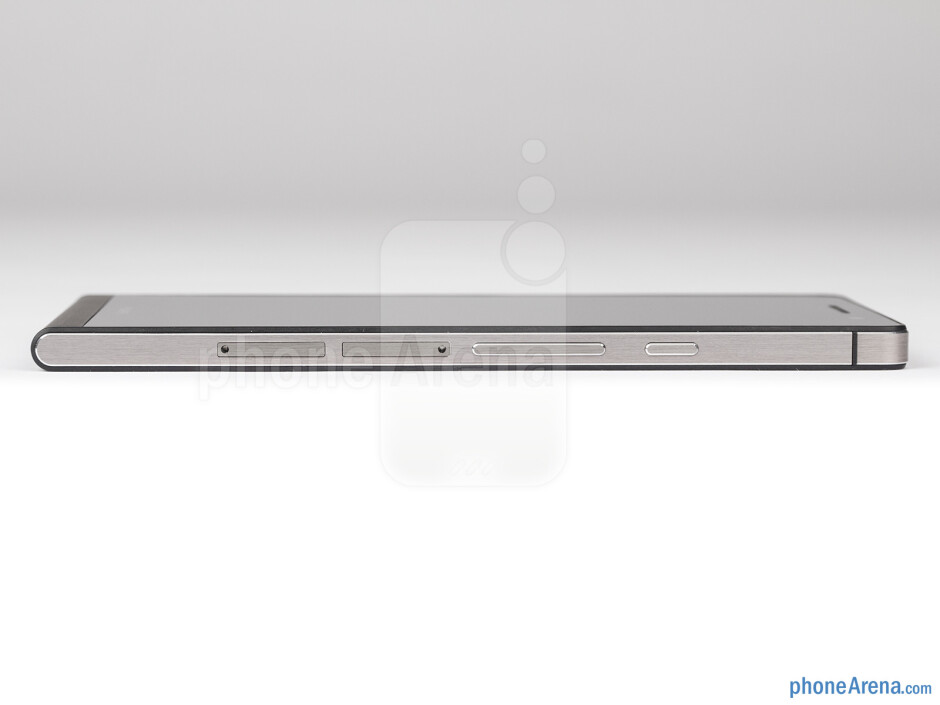 Right side - The sides of the Huawei Ascend P6 - Huawei Ascend P6 Review