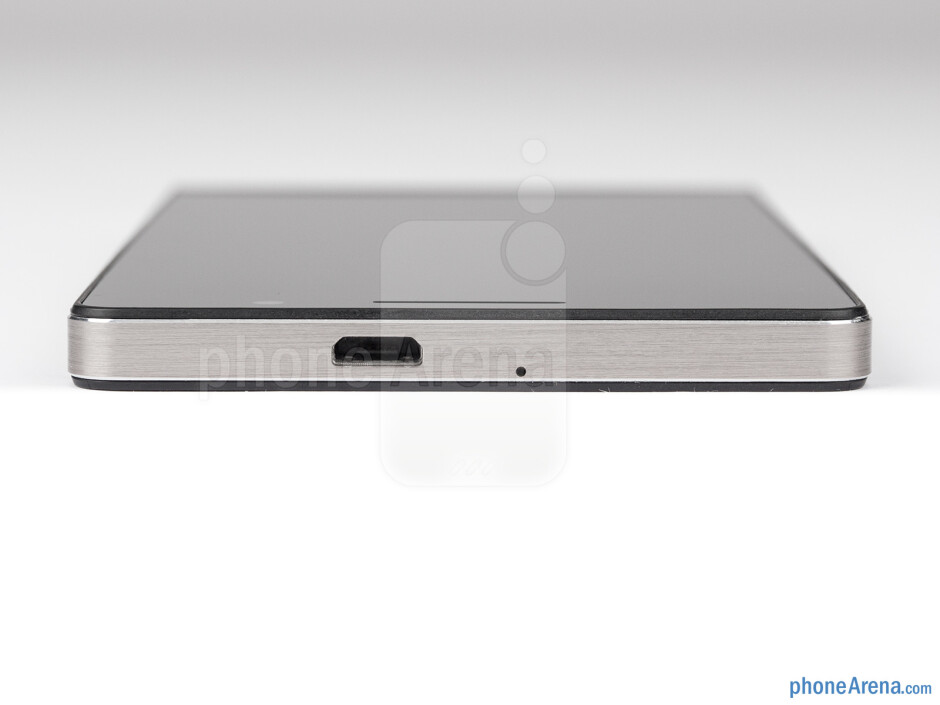 Top - The sides of the Huawei Ascend P6 - Huawei Ascend P6 Review