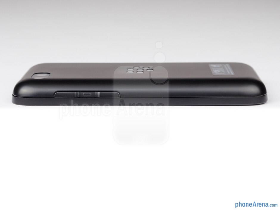 Right - The sides of the BlackBerry Q5 - BlackBerry Q5 Review