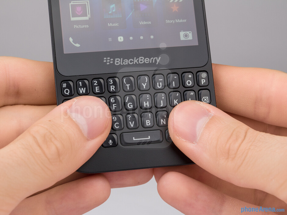 The BlackBerry Q5's backlit hardware keyboard is pretty well made - BlackBerry Q5 Review
