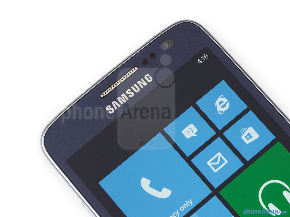 Front camera - Samsung ATIV S Neo Preview
