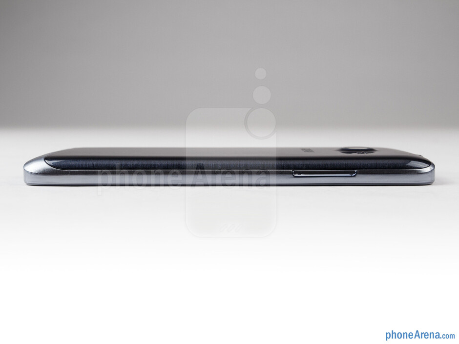 Left - The sides of the Samsung ATIV S Neo - Samsung ATIV S Neo Preview