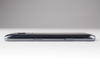Right - The sides of the Samsung ATIV S Neo - Samsung ATIV S Neo Preview