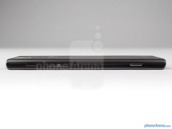 Right - The sides of the Huawei Ascend P2 - Huawei Ascend P2 Review