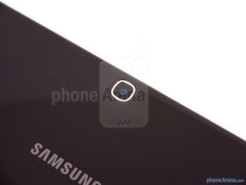 Rear camera - The sides of the the Samsung Galaxy Tab 3 10.1 - Samsung Galaxy Tab 3 10.1 Review