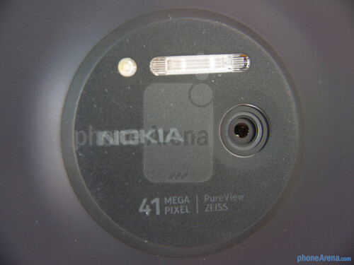 Nokia Lumia 1020 PureView - one of the best-known devices with Zeiss-powered cameras