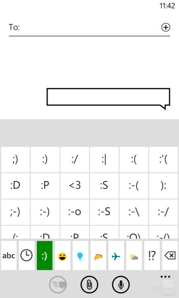 The on-screen keyboard of the Nokia Lumia 1020 - LG G2 vs Nokia Lumia 1020