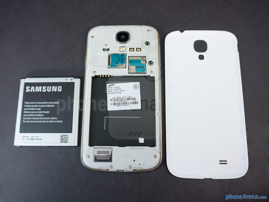 Battery compartment - Samsung Galaxy S4 Google Play Edition Review