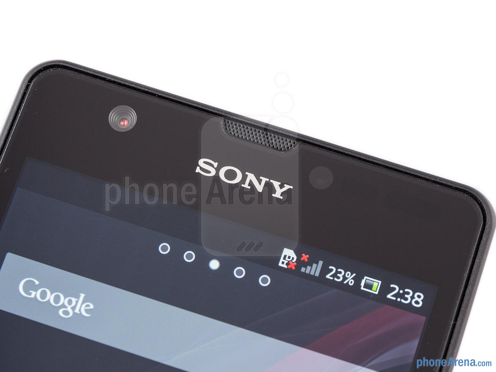 Sony Xperia ZR Review 005