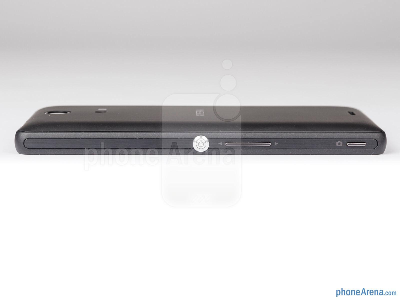 Sony Xperia ZR Review 008