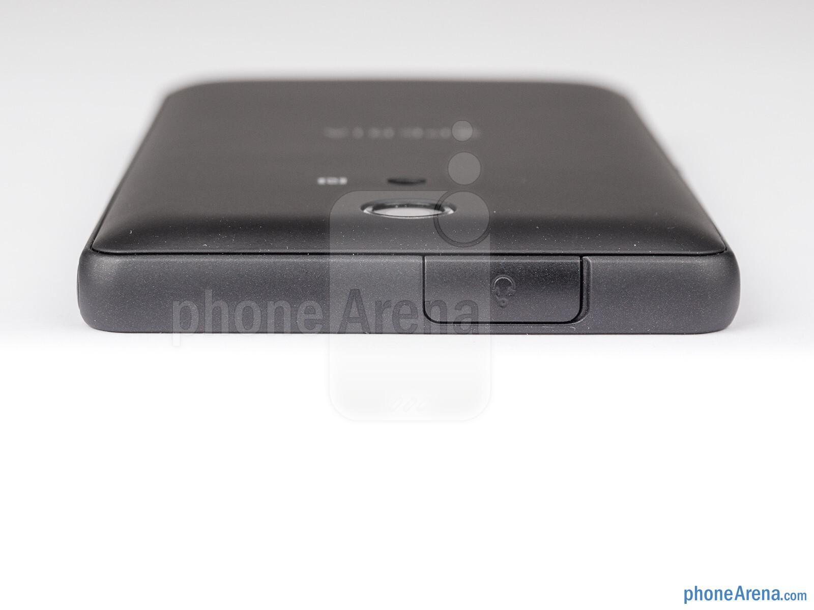Sony Xperia ZR Review 009