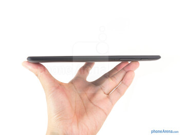 The Google Nexus 7 has a minimalist design - Google Nexus 7 Review (2013)