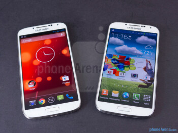 The Samsung Galaxy S4 Google Play Edition (left) and the Samsung Galaxy S4 (right) - Samsung Galaxy S4 Google Play Edition vs Samsung Galaxy S4