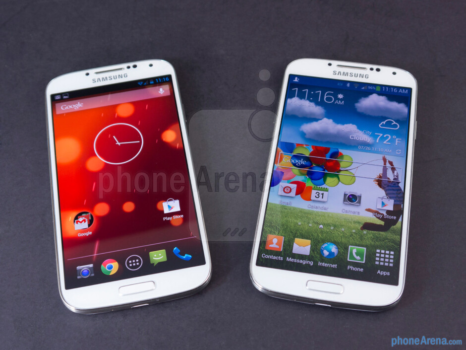 The Samsung Galaxy S4 Google Play Edition (left) and the Samsung Galaxy S4 (right) - Samsung Galaxy S4 Google Play Edition vs Samsung Galaxy S4