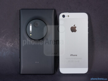 The construction of both devices is great, but the iPhone 5's aluminum casing has that premium feel - Nokia Lumia 1020 vs Apple iPhone 5