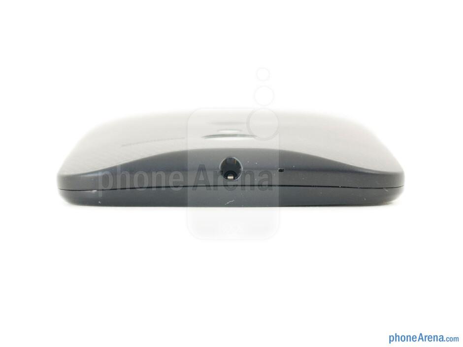 3.5mm jack (top) - The sides of the Motorola Moto X - Motorola Moto X 2013 Review
