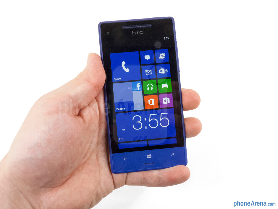 The HTC 8XT feels excellent in the hands - HTC 8XT Review